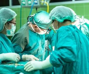 Жапонияда КВИ-мен ауыратын адамға тірі донордан әлемдегі алғашқы өкпе трансплантациясы жасалды