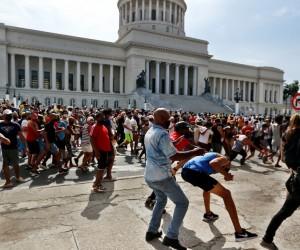 На Кубе начались антиправительственные протесты впервые за 30 лет