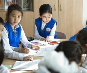 Мектеп оқушылары демалыстан кейін де қашықтықтан оқи береді