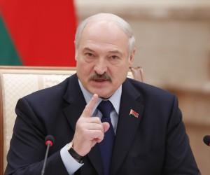 Лукашенко 9 мамырға жоспарланған парадты тоқтата алмайтынын айтты