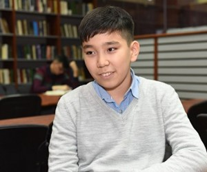 15 жастағы Абзал Мырзаш университет бітірмек