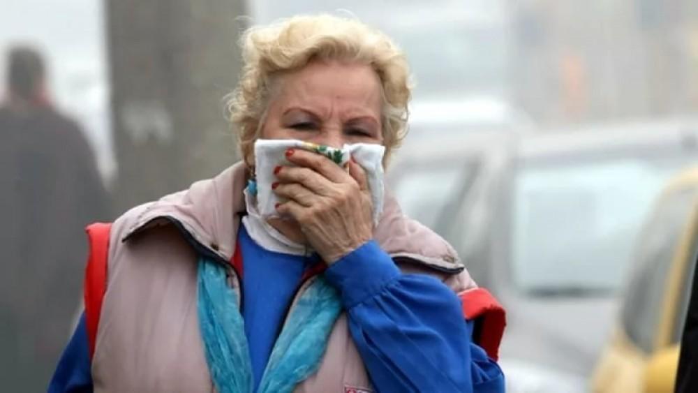 Жители Шымкента вторично жалуются на едкий запах