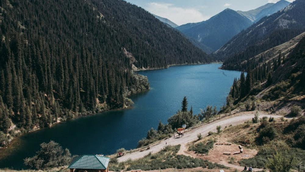Откроют проектный офис по развитию пяти нацпарков Алматинской области