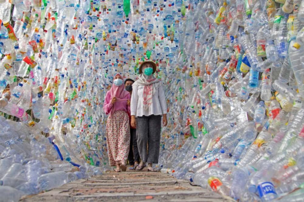 экология, пластика, индонезия, ластану, бөтелке,